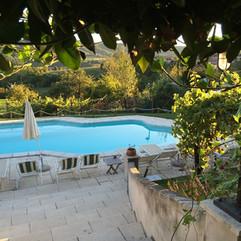 swimming-pool-607738_1280.jpg