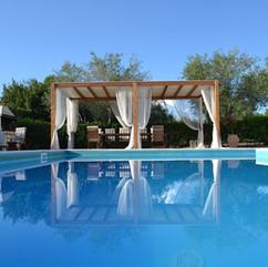 swimming-pool-1581968_1280.jpg