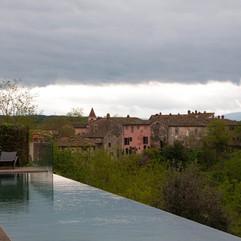 pool_borgo_ancient_tuscany_italy_landsca