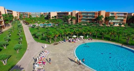 Journée piscine à Vila das Lagoas