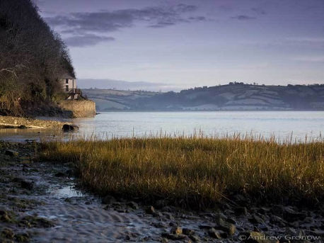 Dylan Thomas's  boathouse Laugharne.jpg