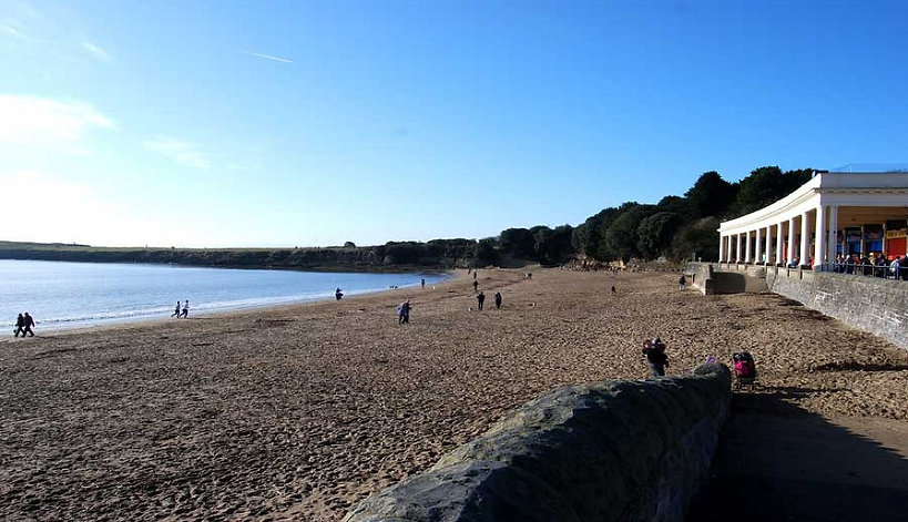 Barry Island Beach Location of Gavin and Stacey South Wales.jpg