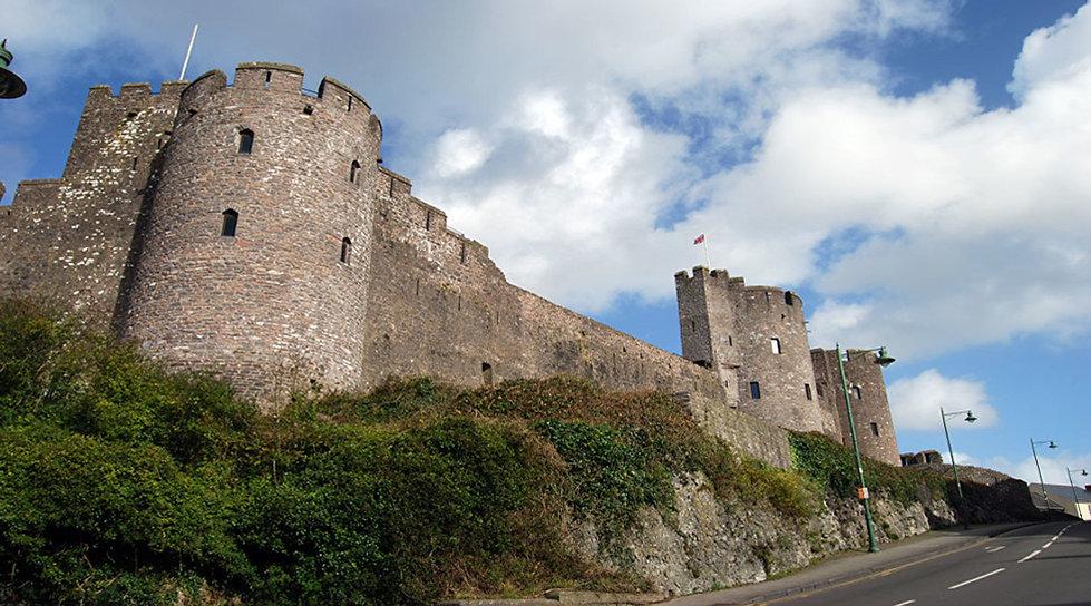 Pembroke Castle Bithplace of King Henry the Seventh Wales.jpg
