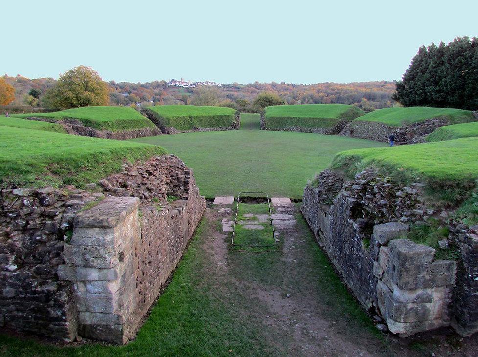 Roman Amphitheatre Caerleon.jpg