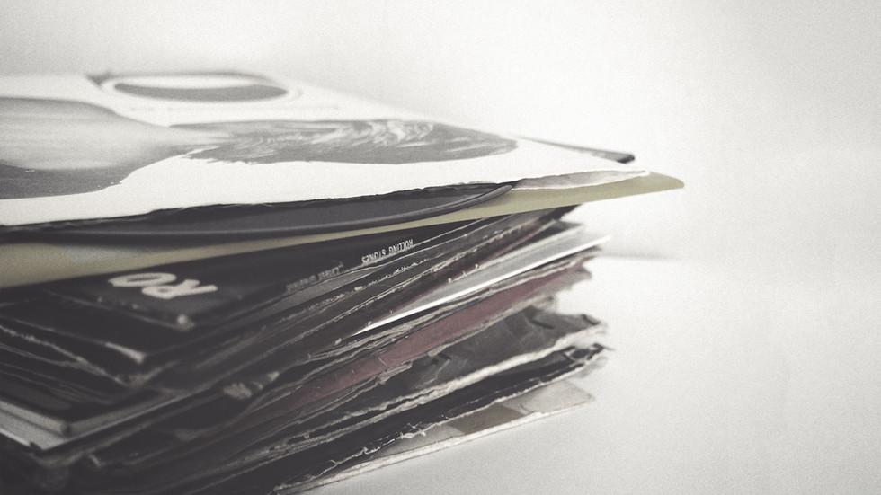 Стек компакт-дисков