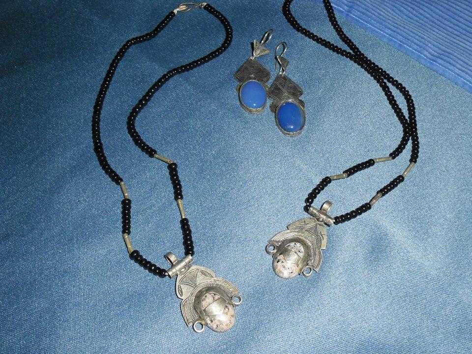 collier perline e pietre.jpg
