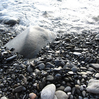 Italian Beach Grey Rocks
