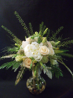 cream and gold wine-country bouquet