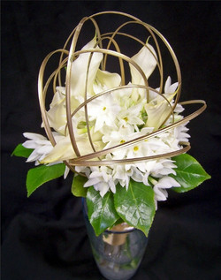 paperwhites and callas with gold