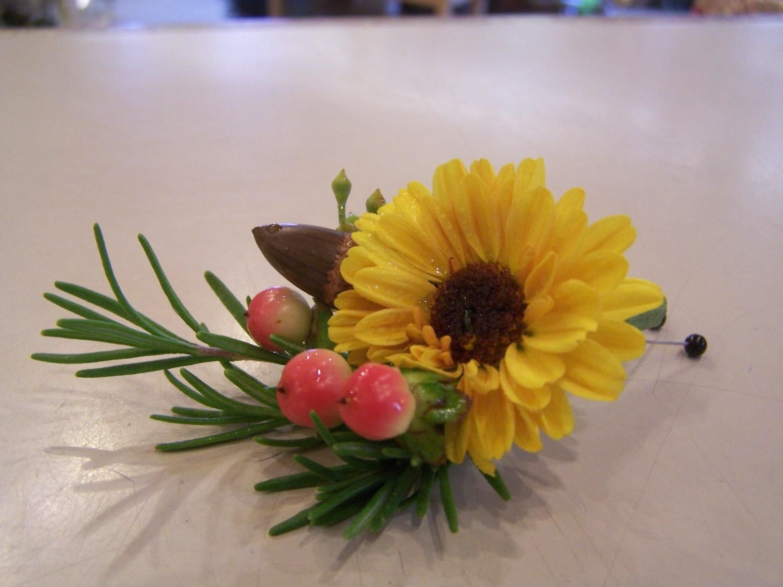 casual Fall boutonniere