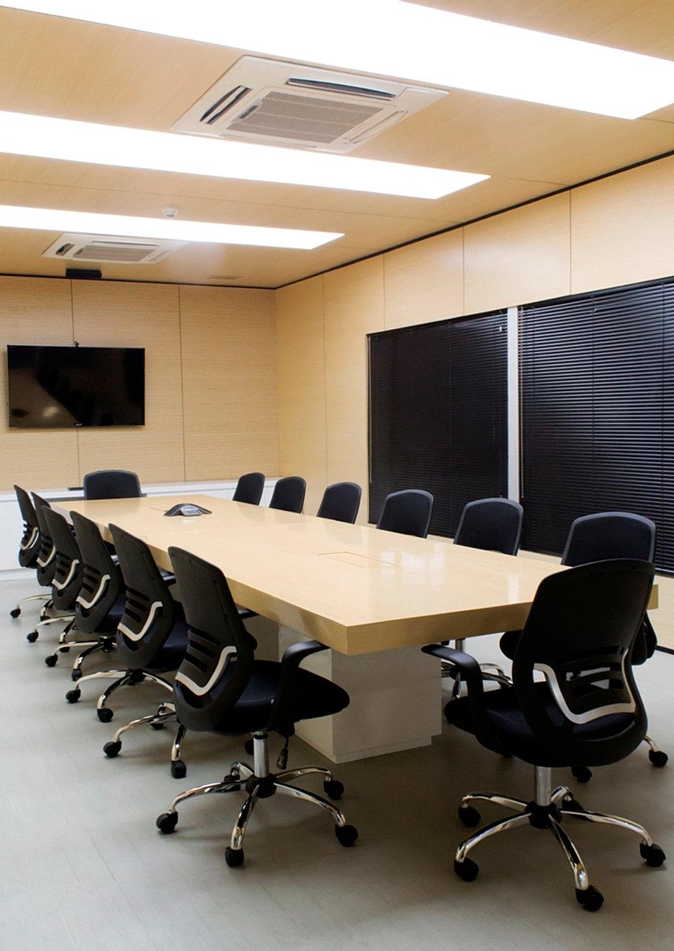 Oficinas caracol televisi n for Gimnasio quirinal