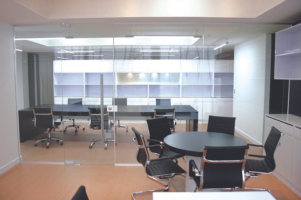 Mobiliario oficinas veremonte for Gimnasio quirinal