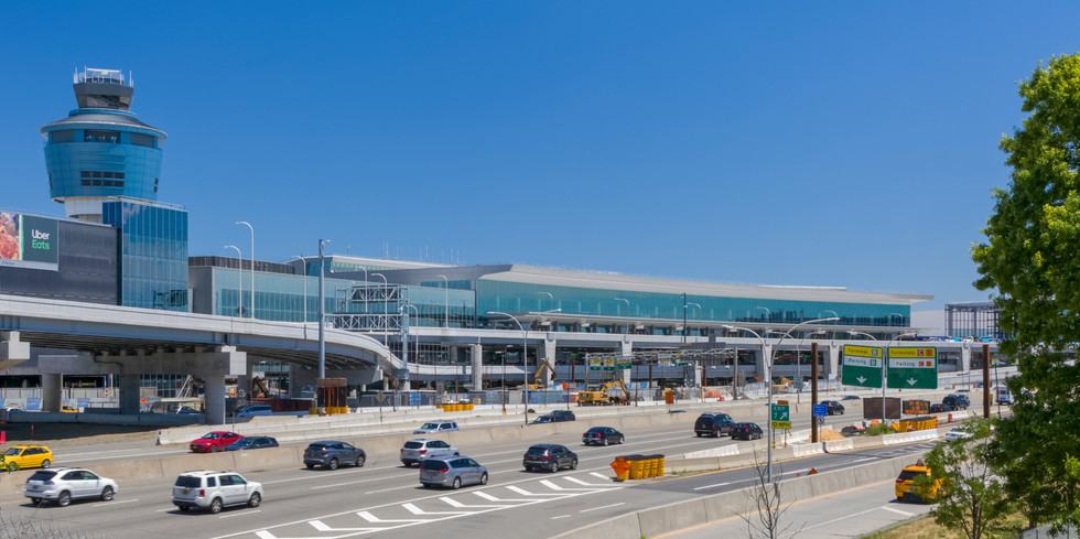 Terminal B seen from Grand Central Parkway