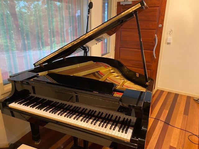 YAMAHA G-1 Baby Grand Piano