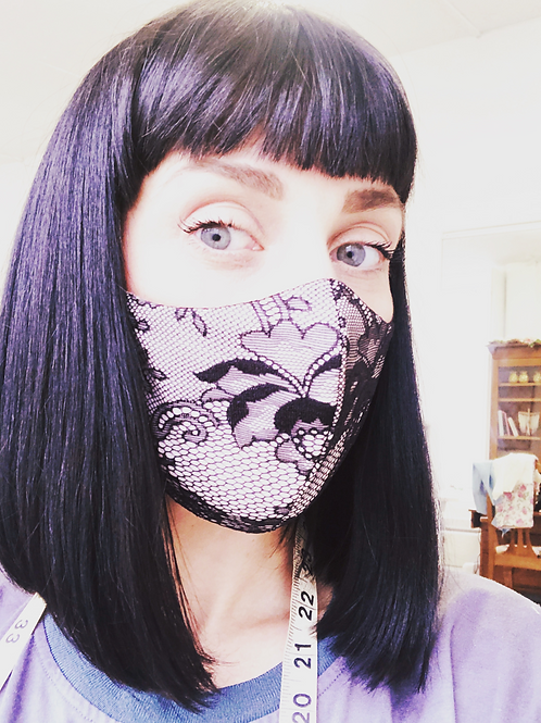 Black Lace Mask Size M