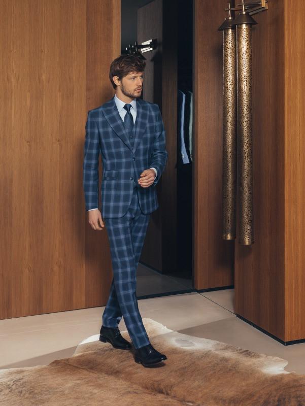 tailored suits dubai