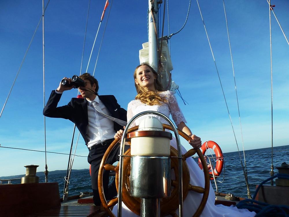 Sesja ślubna na pokładzie s/y Farurej