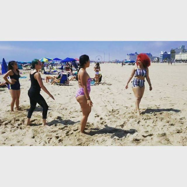 Can't leave them alone... they'll find some way to dance. #beachdance #kpop