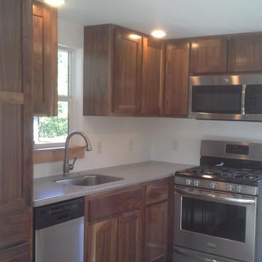 walnut kitchen2.JPG