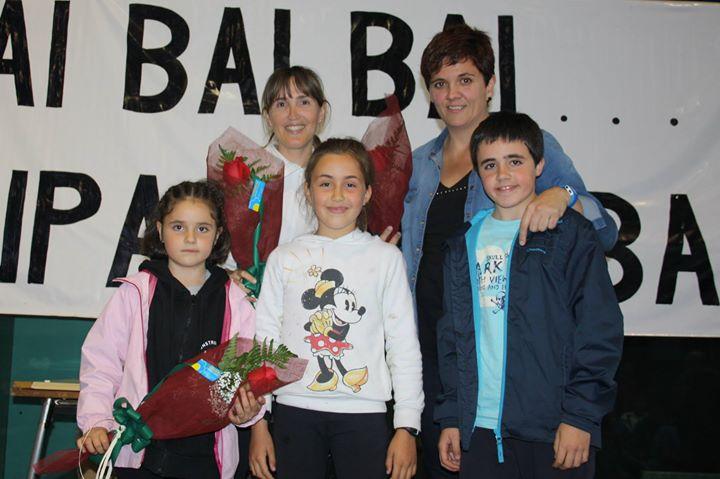 Irantzu, Maite Y Onintze (ausente), madres y jugadoras en activo, de