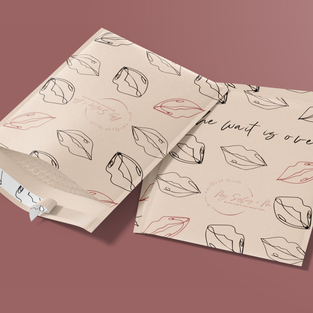 kraft-bubble-mailers-mockup-opened-and-c