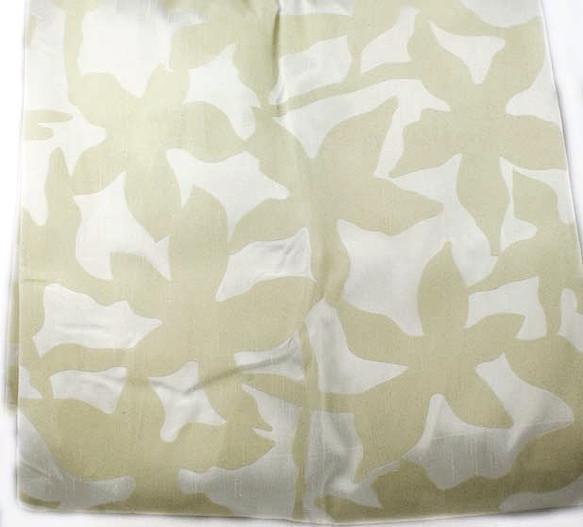 Mona_Shower Curtain_Flocked