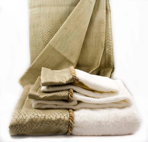 Jade_Shower Curtain_Towels