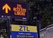Accesso al Circolo Ufficiali dell'Esercito di Bologna