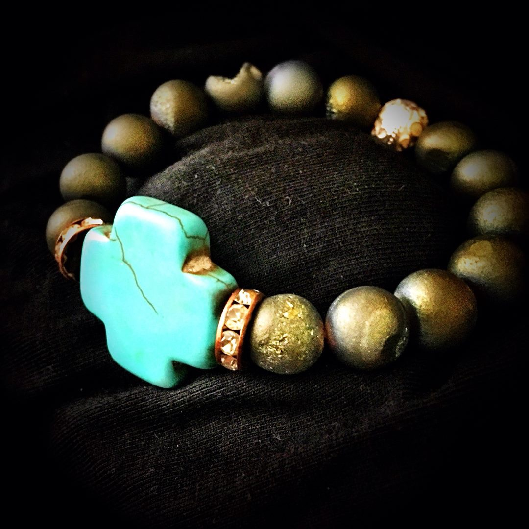 Agate Druzy beads with howlite turqu