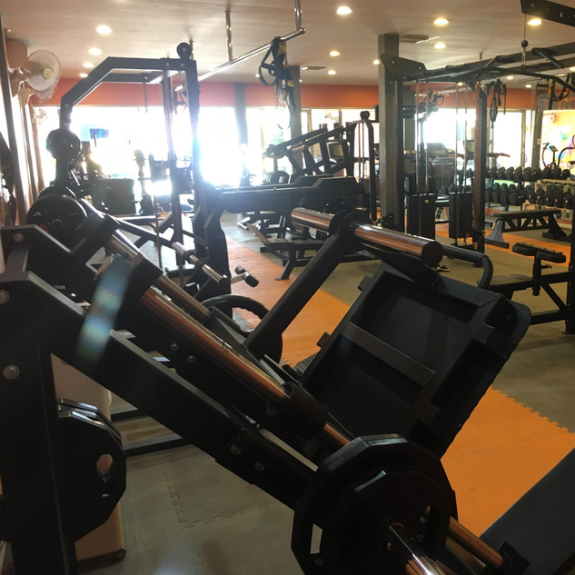 fx fitness rawai gym phuket weightlifting