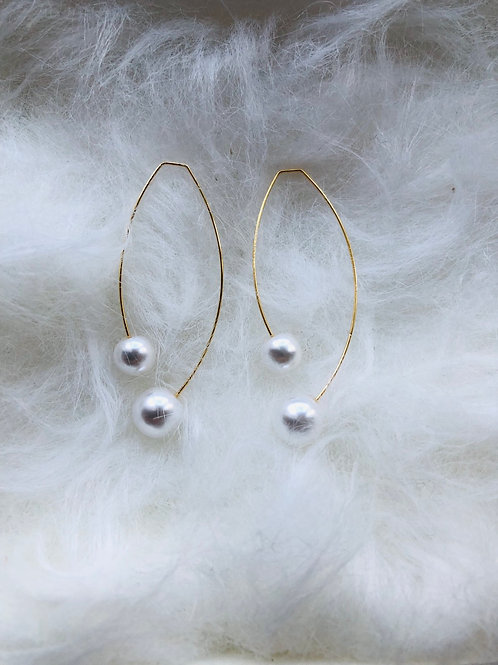O91O LITTELE WAVE EARRING
