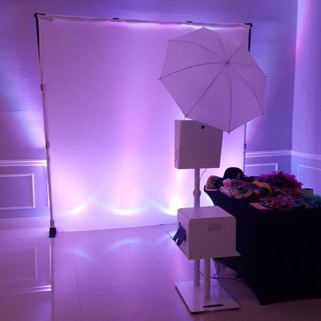 elegant-photo-booth-rental-in-miami-fl_o