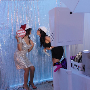 holiday-party-photo-booth-rental-fort-la