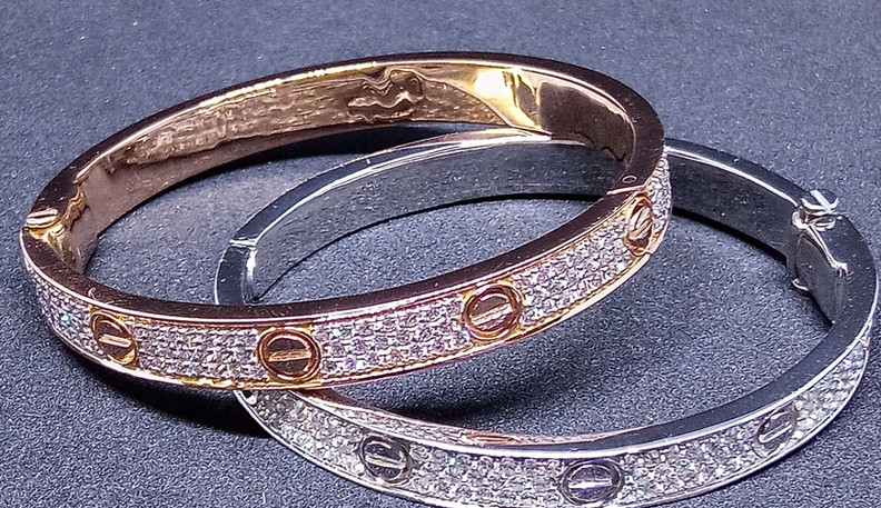 cartier diamond bangle