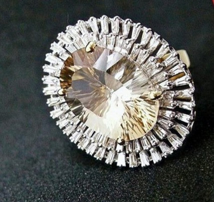 diamond ring with baquets