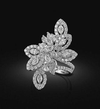 Designer diamond ring - white gold
