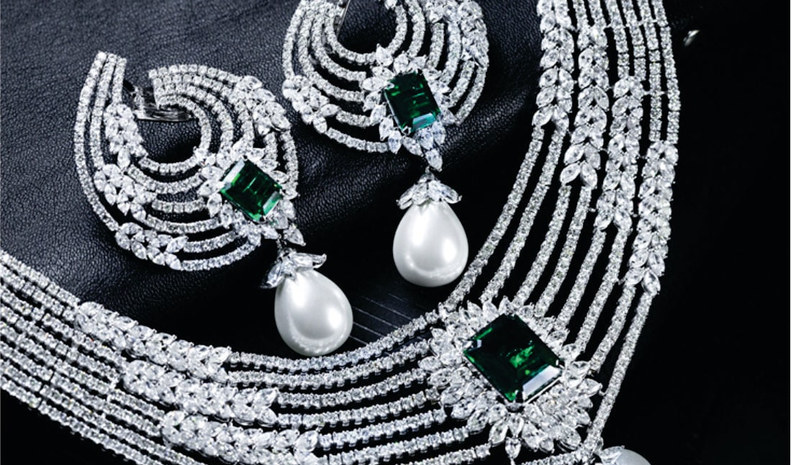 Designer diamond necklace set - Emerald