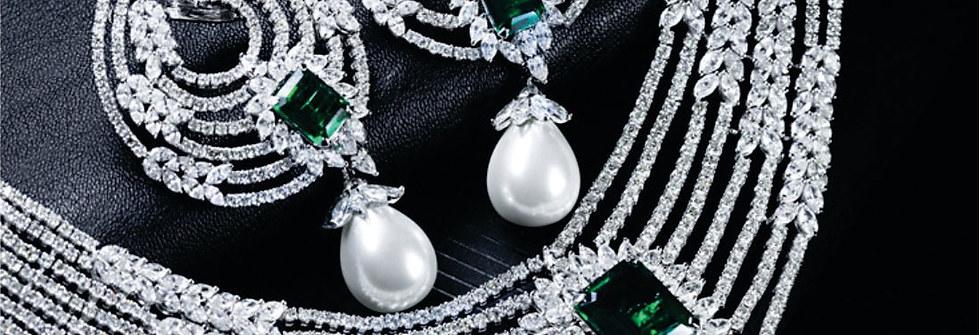 Designer diamond necklace set - Emerald