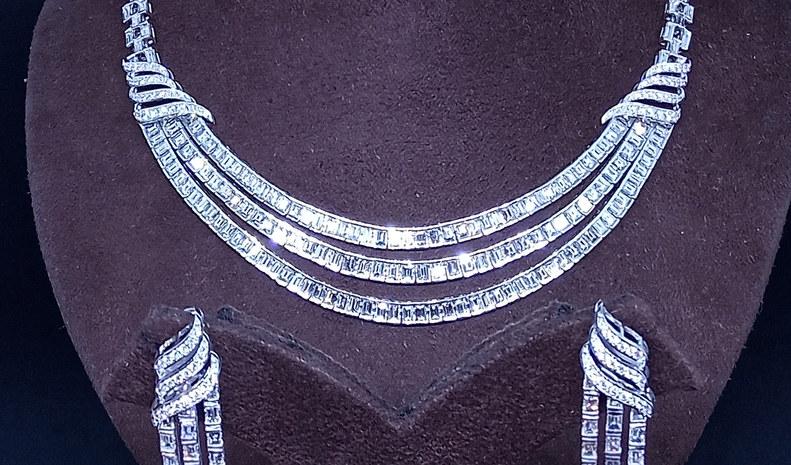 3 line bugget elegant set