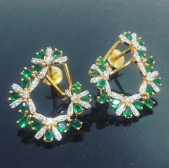 diamond loop earring in emerald