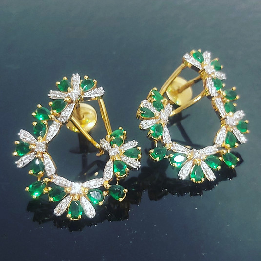 diamond loop earring in emerald