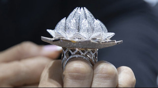 Ring with 7777 diamonds - side view