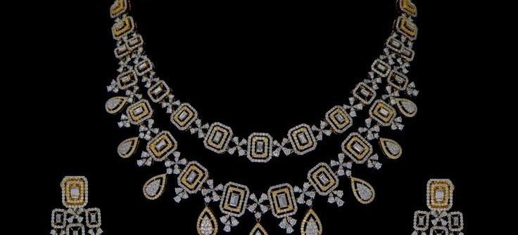 stylish diamond necklace set