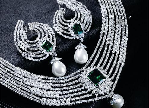 Designer diamond necklace set - Linear