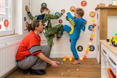 KLAAR & KIDS 1-KW-FOTOGRAAF TE VERMELDEN