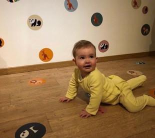 PLAY & LEARN DOTS safari Olivia kleur.jp