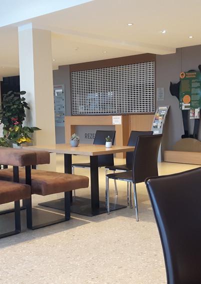 campus_cafe_1.jpg