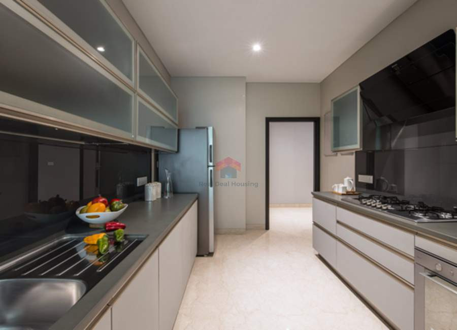 Oberoi-esquire-4BHK-main-kitchen.jpg