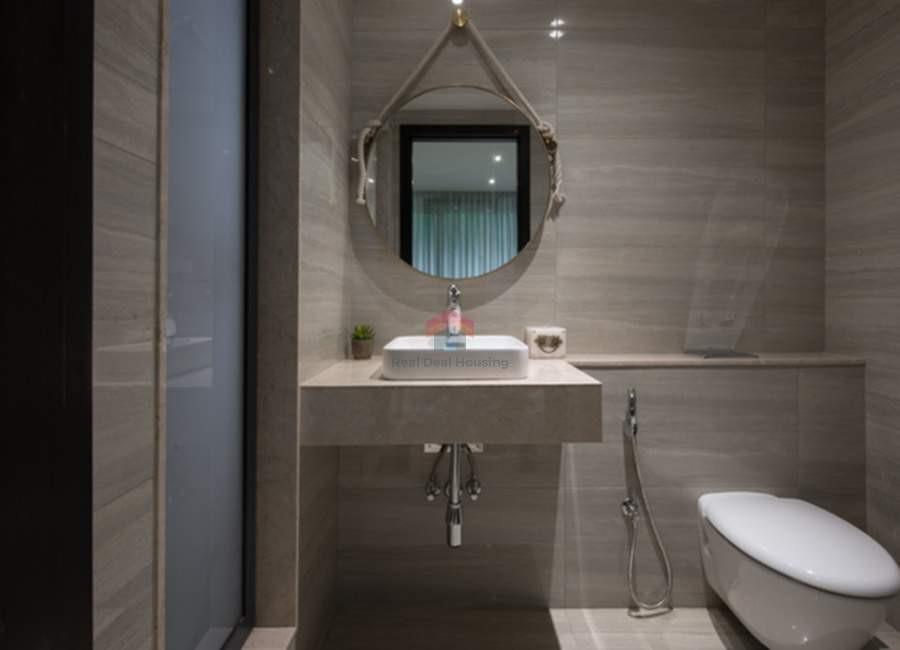 oberoi-esquire-4BHK-bathhroom.jpg