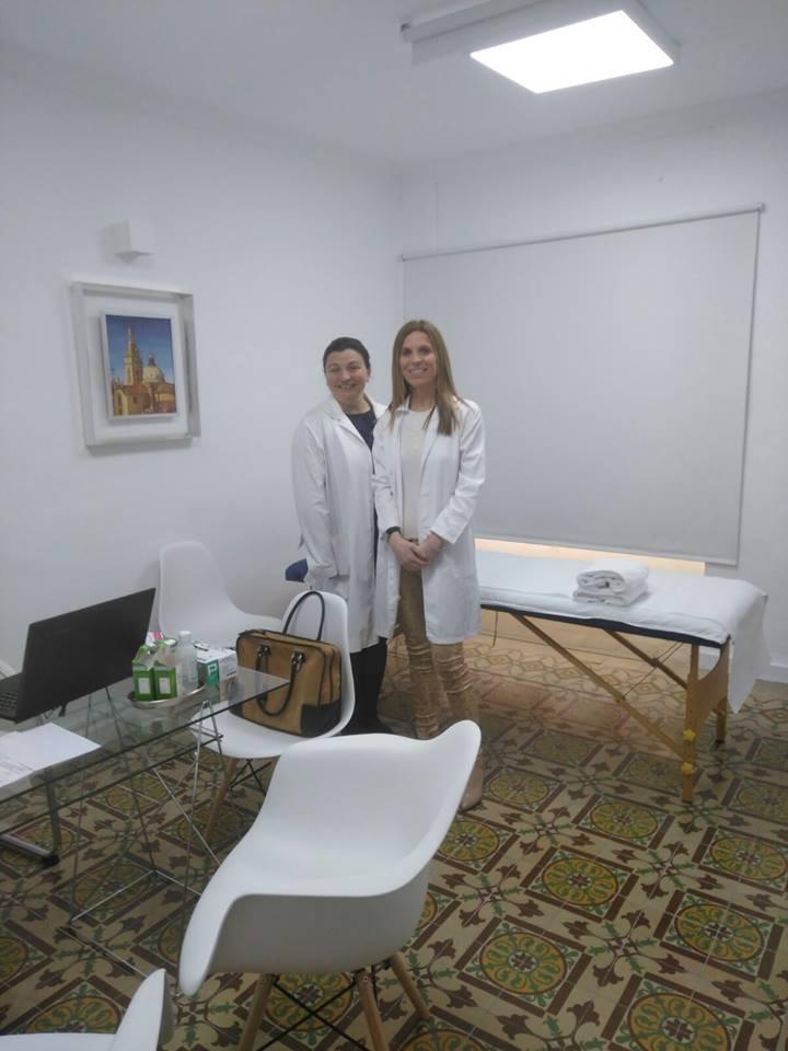 Dra. Pilar Albero (izq.) y Dra. Mª José Vidal (drch.) en la nueva consulta